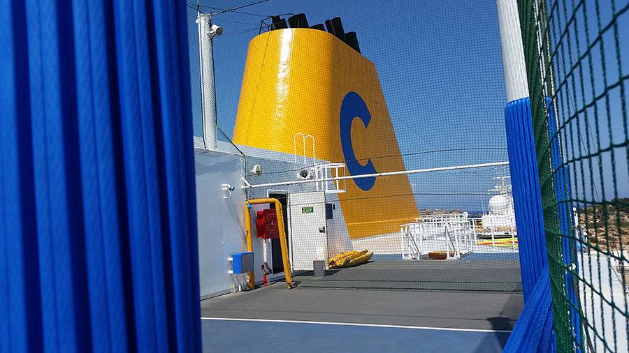 Cruise ship columns